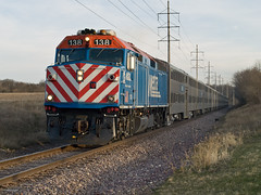 Metra UP-NW outbound train 643