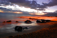 Kihei, Maui at Night (Steve W Lee) Tags: ocean longexposure sunset seascape beach water landscape hawaii evening rocks nightshot tide horizon maui coastline kihei manakai lavarocks hawaiianislands mauihawaii oceanscape kiheimaui vosplusbellesphotos