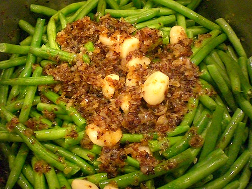 Green Beans w/ Grilled Onions, Garlic in a Tomatoes Sauce