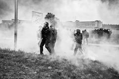 (Hughes Léglise-Bataille) Tags: topf25 smoke protest gaz police gas demonstration prison jail tear warden maison blockade 2009 agents manifestation fleury fumée arrêt blocage gardiens lacrymogène lacrymo mérogis pénitentiaires