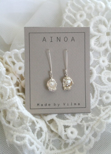 AINOA watercast earrings