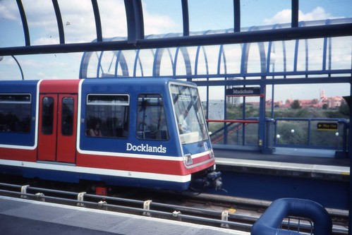 Docklands Light Railway by sludgegulper9