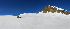 Kitzsteinhorn - lonely groomer (balazs_stanicz_sielj3000meteren) Tags: panorama sun mountain snow alps salzburg austria skiing scenic glacier kaprun kitzsteinhorn summerski