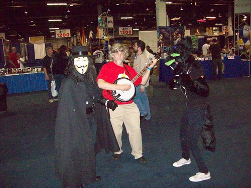 Dancing to the banjo at Chicago Comic-Con 2009 #2
