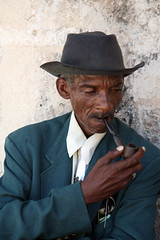 Pipe Dandy Havana (greenwood100) Tags: havana cuba pipe smoking habana oldtown dandy suited greensuit silktie