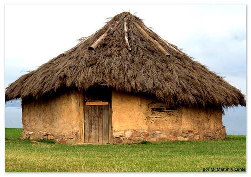 primitiva vivienda de astures: cilúrnigos o caldereros