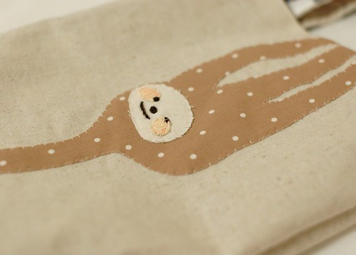 Hanging Sloth hand bag 1