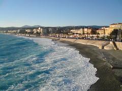 (nissmag) Tags: sea mer seascape france beach vent soleil nice côtedazur bleu plage nizza sud méditerranée frenchriviera promenadedesanglais cielbleu baiedesanges
