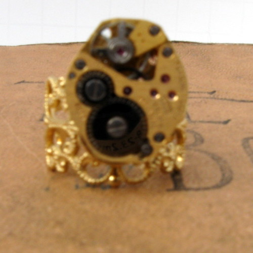 Steampunk Unisex Adjustable 17 Jewels Gruen Watch Movement Ring with Rubies