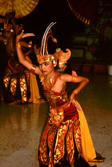 Bali Dancers / Balinese Dance - Head Dress (Dominic's pics) Tags: bali orange yellow indonesia gold golden dance costume dancers dress head traditional culture slide scan event filter transparency 1998 noise hindu performer dharma canoscan balinese agama seriousexpression reducenoise balinesedance 8800f agamahindudharma