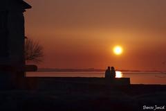Sunset Love´s. (benitojuncal) Tags: sunset españa love sol contraluz spain san pareja amor galicia puesta valentin pontevedra ria arosa rias solpor cambados baixas sadurniño