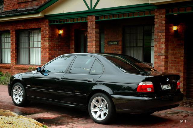 black sports car sport sedan 5 bmw series 525 serie 520 540 beemer sapphire individual 535 525i bimmer 530 540i 530i 535i e39 520i