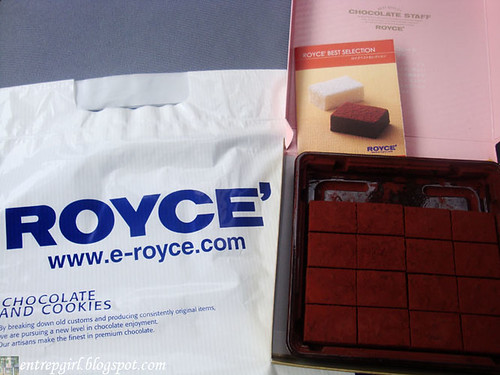 Royce' strawberry nama chocolate