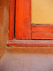 framed (msdonnalee) Tags: orange window mexico ventana fenster  finestra sanmigueldeallende mexique janela naranja windowframe mexiko arancia venster  windowcorner  colourartaward donnacleveland orangewindowframe photosbydonnacleveland