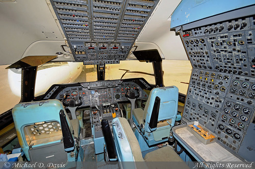Rich International Airways Lockheed L-1011-385-1 TriStar 1 (N312GB)  **Cockpit**