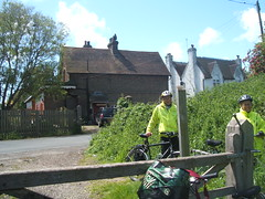 17.5.9 Clarion Barcombe picnic 003