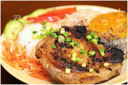 com tam suon bi cha, broken rice, pork chop