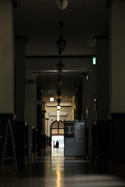 古びた廊下