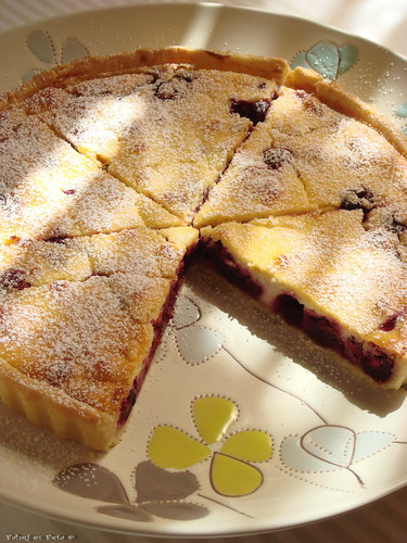 sourcherry pie with almond2