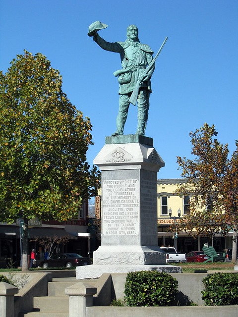 Davy Crockett Statue 3
