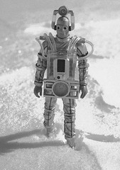 Trudging through the wastes (Decepticreep) Tags: monster alien doctorwho bbc cyborg cybermen regeneration williamhartnell mondas thetenthplanet