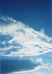 (Carol...lina) Tags: blue light sky cloud film azul day ciel nuvem