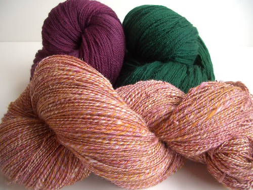 KP merino lace, 880yds, closest to the real color, with Roses in the Snow