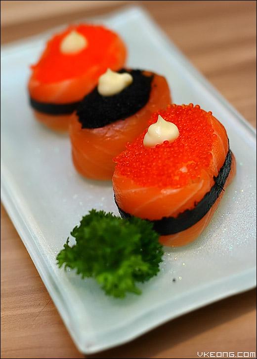 trio-salmon-sushi