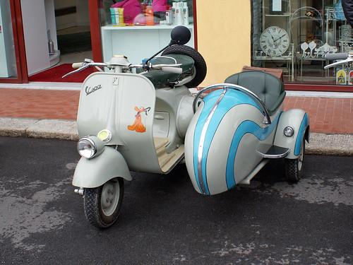 Piaggio Vespa Sidecar - a photo on Flickriver