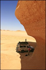 (780) the Sahara Desert (unicorn 81) Tags: voyage africa travel color sahara trekking landscape sand colorful desert northafrica egypt adventure egyptian egipto 2009 ägypten egitto excursion egypte reise egypten rundreise roundtrip egipt égypte mapegypt misr nordafrika egypttrip april2009 ægypten aegyptus αίγυπτοσ ægyptusintertravel ägyptenreise schulzaktivreisen saharacolors meinjahr2009