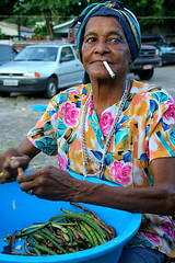 Dona Jaci (Fabiana Velso) Tags: pessoa retrato mulher feira joopessoa feijo senhora paraba jaguaribe fabianavelso 100desconhecidos projeto100desconhecidos