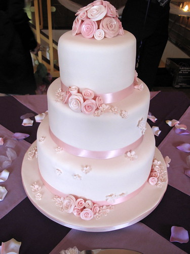 Wedding Cake With Pink Roses Kate Wedding