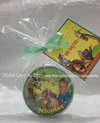 Lembrançinha Aniversário Nícolas (Ateliê Laço de Fita) Tags: verde mini card madagascar strass latinha lembrancinha lembrancinhas latinhas personalizada personalizadas
