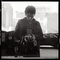 :D (Suguru Nishioka) Tags: sanfrancisco street selfportrait reflection 6x6 tlr mediumformat square mirror kodak d76 push mf soma tmax400 lightmeter yashica iso1600 mrd gossen yashicad sug yashikor suguru autaut waistlevelfinder lunaprof