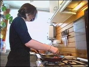 Mitos sobre as mulheres - Lugar de mulher é pilotando o fogão