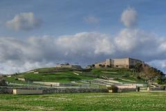 Castillo Sohail in HDR (yanfuano) Tags: park parque sky castle clouds spain andalucia cielo nubes costadelsol malaga castillo hdr fuengirola sohail castillosohail photomatix