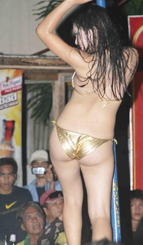 WET BIKINI SHOW (But1 Diver) Tags: shower bath bikini seductive caraga ...
