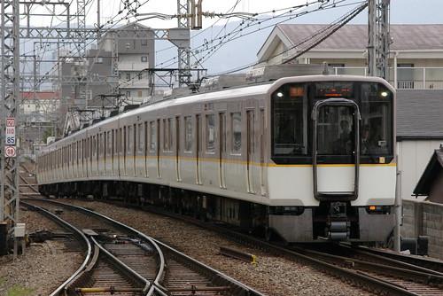 Kintetsu5820series(Osaka line) in Yamato-Yagi,Kashihara,Nara,Japan 2009/3/29