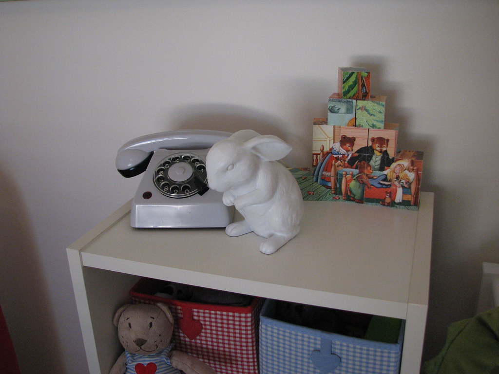 picture blocks, phone and bunny