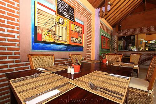 Tropis Bistro & Bar