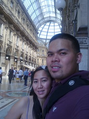 Walking down galleria vittorio. Nokia n85