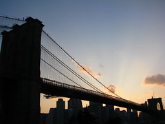 Sunset (Uncle Catherine) Tags: park nyc bridge sunset summer newyork brooklyn 09 brooklynbridge movies 2009 brooklynbridgepark outdoormovies empirefultonferrystatepark