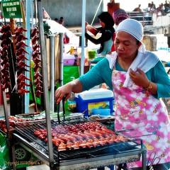 I love BBQ chicken wings I (1davidstella) Tags: nikon bbq kotakinabalu bazaar ramadan chickenwings d300 hawkerfood