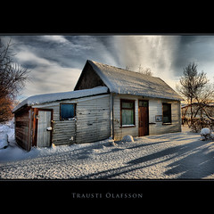 Short days, long shadows (Trausti lafsson) Tags: snow iceland bravo frost mb hdr ogm hsavk 333views thegoldengallery abigfave nikond80 specialtouch innamoramento imageplus nikon18135mm visiongroup infinestyle ysplix amazingamateur goldsealofquality phamtomapixel phvalue novavitanewlife flickrclassique traustilafsson imagesforthelittleprince visionquality100 lightiq