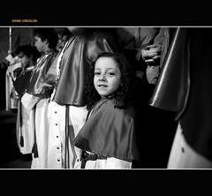 Smile (Chema Concellon) Tags: portrait blackandwhite espaa blancoynegro smile spain europa europe retrato nia valladolid sonrisa 2008 infancia risa semanasanta castilla cofrade domingoderamos procesin castillaylen cofrada sietepalabras chemaconcelln trasladocristodelaguna
