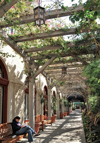 Mission Inn_Riverside_covered walkway