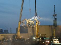 機械仕掛けの巨大クモ