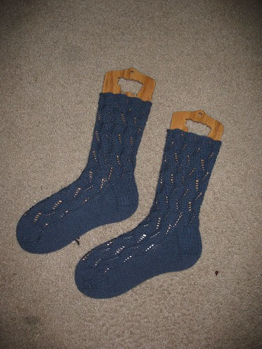 FO: Waving Lace Socks