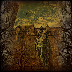 Always forward... (egold.) Tags: barcelona sculpture spain catalonia textures hdr infinestyle memoriesbook theunforgettablepictures magicunicornverybest ramonberingueriii