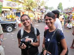MWS - smiles (andthemonkey) Tags: india bombay mumbai galli dadar phool
